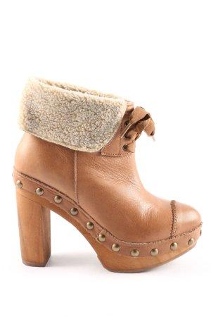 Zara Trafaluc Absatz Stiefel braun Casual-Look
