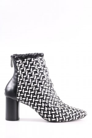 Zara Trafaluc Ankle Boots black-white cable stitch business style