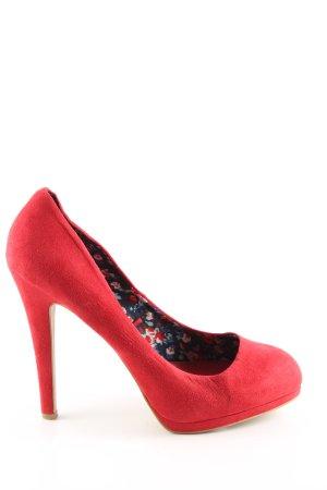 Zara Trafaluc Tacones altos rojo look casual