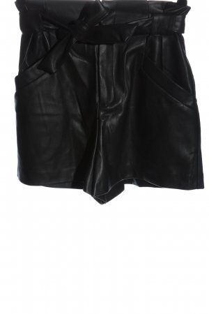 Zara Trafaluc High-Waist-Shorts black casual look