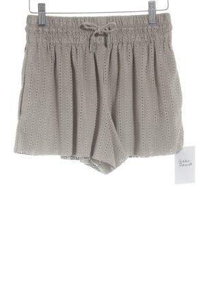 Zara Trafaluc High-Waist-Shorts beige schlichter Stil