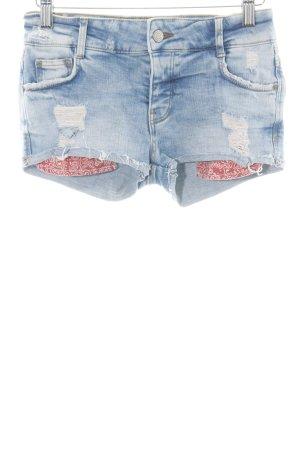 Zara Trafaluc Jeansshorts blau-weiß Street-Fashion-Look