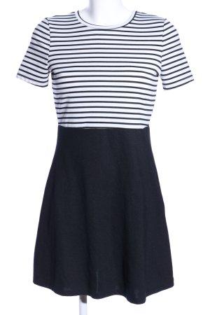 Zara Trafaluc Kurzarmkleid weiß-schwarz Streifenmuster Casual-Look