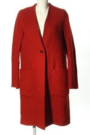 Zara Trafaluc Abrigo ancho rojo look casual