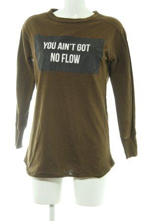 Zara Trafaluc Sweatshirt khaki Schriftzug gedruckt Street-Fashion-Look