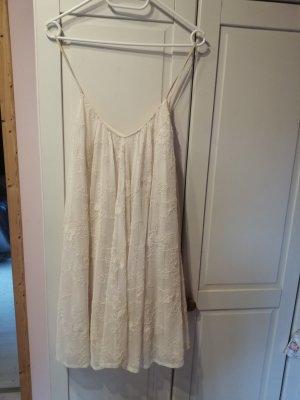 Zara tüll Kleid weit schwingend bestickt Creme weiß