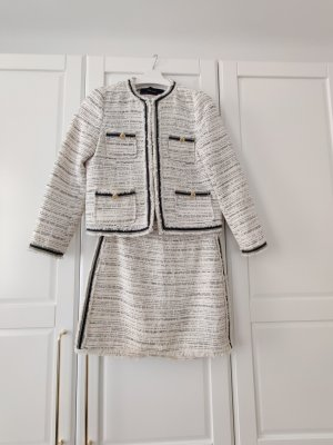 Zara Tweed Blazer und Rock im Chanel Look