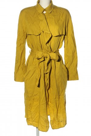 Zara Trenchcoat blassgelb Casual-Look