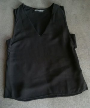 Zara V-Neck Shirt mit Cut-Outs