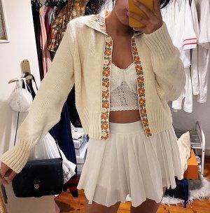 Zara weiße Strickjacke Cardigan Jacke Kragen Knopfleiste gemustert