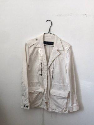 zara weiße übergangsjacke mit vielen taschen