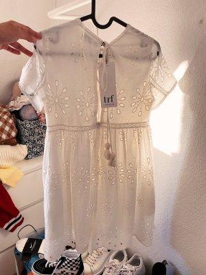 Zara weißes Kleid mit Lochmuster und Hose NEU mit Etikett