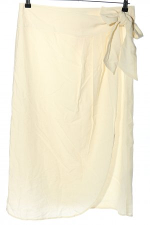 Zara Wraparound Skirt cream casual look