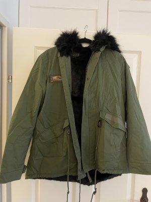 Zara Winter Parka mit faux fur NEUwertig