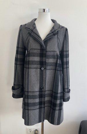 Zara Wintermantel Mantel grau schwarz Karo feminin