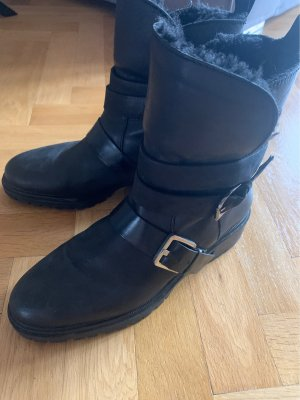 Zara Fur Boots black