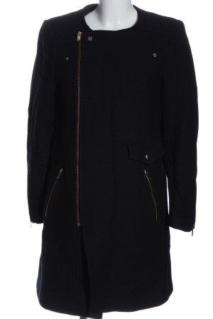 Zara Woman Abrigo largo negro look casual