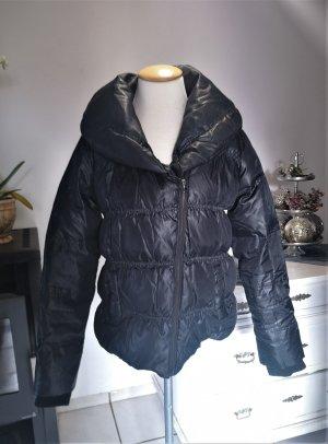 Zara Woman Daunenanorak mit großem Kragen in Schwarz GR M Daunen Anorak Parka tailliert Winter Winterjacke Jacke warm