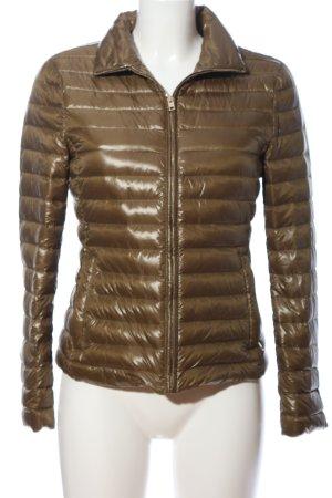 Zara Woman Chaqueta de plumón marrón estampado acolchado look casual