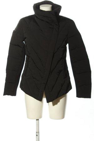 Zara Woman Daunenjacke schwarz Steppmuster Casual-Look