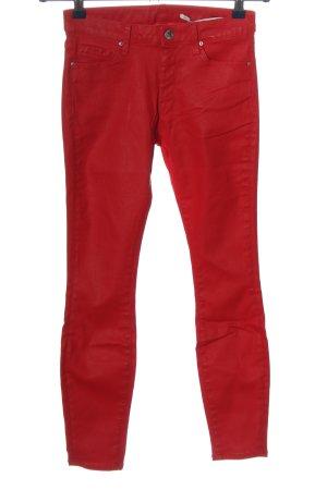 Zara Woman Pantalón de cintura alta rojo look casual