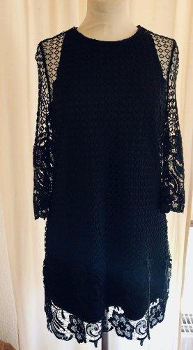 Zara Woman Kleid Größe M mit spitze und gefüttert