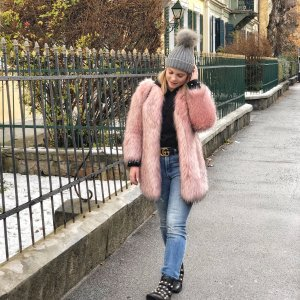 Zara Woman Giacca in eco pelliccia rosa stile casual