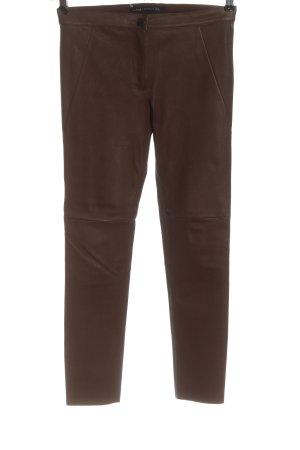 Zara Woman Pantalón de cuero marrón look casual