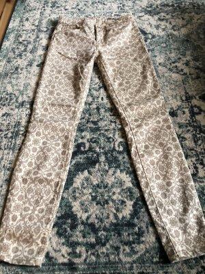 Zara Woman Slim Fit Hose, SToffhose, Gemustert Ornamente