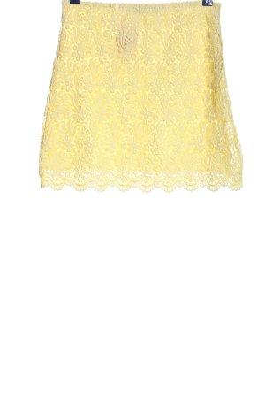 Zara Woman Falda de encaje amarillo pálido look casual