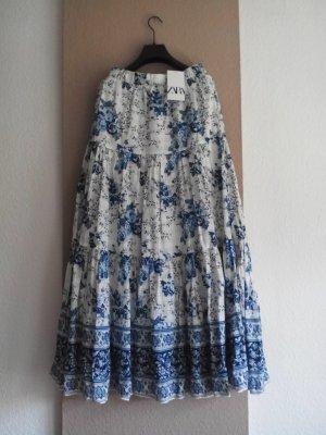 Zara wunderschöner geblumter Maxirock in hellblau-weiss, Grösse M-L, neu