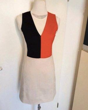 Zara wunderschönes Kleid mit V-Ausschnitt Neu mit Etikett für viele Anlässe kombinierbar