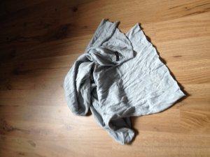 Zart grau- blauer Schal von Marc O'Polo