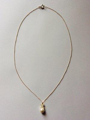 Zarte Silberkette mit Perle