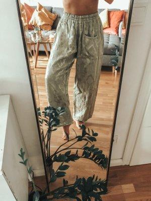 Zartgrün/Mintfarbene hochwertige schwere Seiden/Satinhose mit einer Tasche