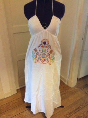 Zauberhaftes Sommerkleid mit Stickerei