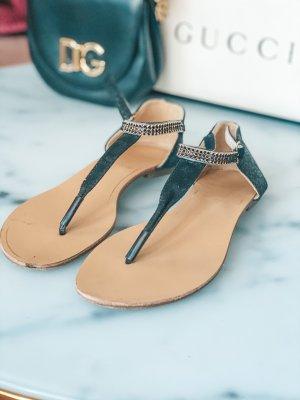 Sandalias con talón descubierto negro-color oro