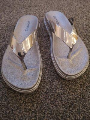 Toe-Post sandals silver-colored