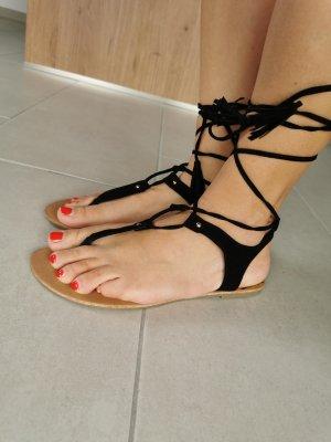 Even & Odd High-Heeled Toe-Post Sandals black