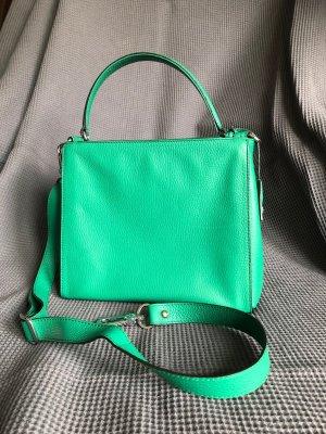 Zeitlose Henkeltasche in trendigem Grün