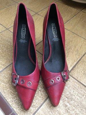 Zeitlose High Heels aus Leder