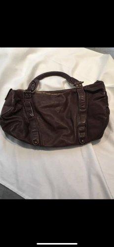 Zeitlose schöne Handtasche