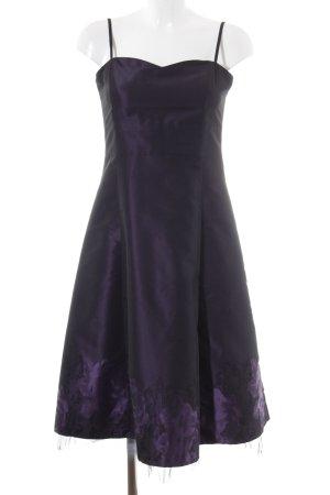 Zero Abendkleid dunkelviolett-lila florales Muster Romantik-Look