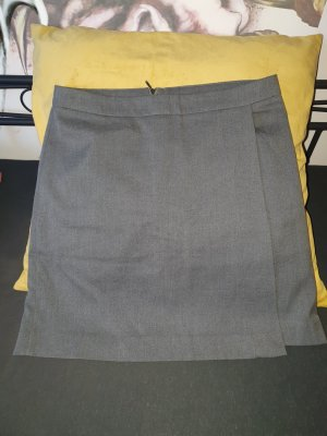 Zero Wraparound Skirt dark grey