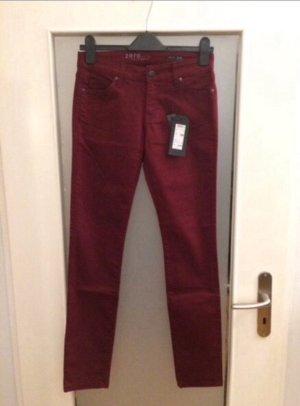 Zero Röhren Jeans Gr. 34 Länge 32 Weinrot Neu mit Etikett NP 39,99€