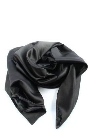 Zero Mantilla negro look casual