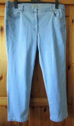 ZERRES Damenjeans leichte Karottenform Gr. 24 (Gr. 48 kurz) Hellblau