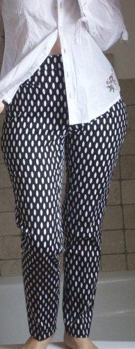 Zerres Hose, tolle Hose aus festem, elastischem Stoff, Chino, schwarz/weiß, schmal geschnitten, Baumwolle, Elasthane, sehr bequem, Bund bis zur Taille, Zipp, 4 Taschen, NEU, Gr. 36