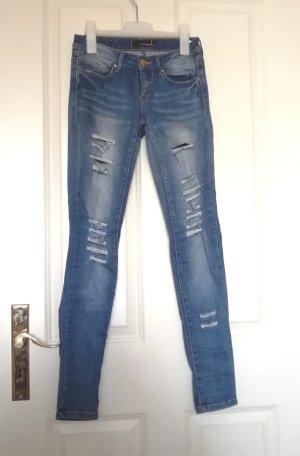 Zerrissene Jeans Jeans mit Löcher
