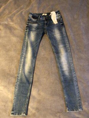Zhrill Jeans Markenjeans W27 neu, mit Etiketten!
